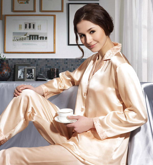 Real silk pajamas — Women's pajamas suit