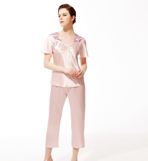 Real silk pajamas — Women's pink pajamas suit